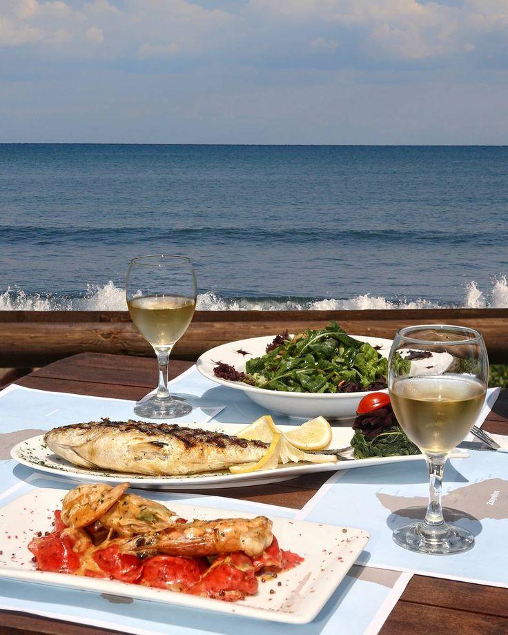 Γεύμα στην παραλία