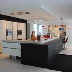 Modern kookeiland Next125: moderne Keuken door Tinnemans Keukens