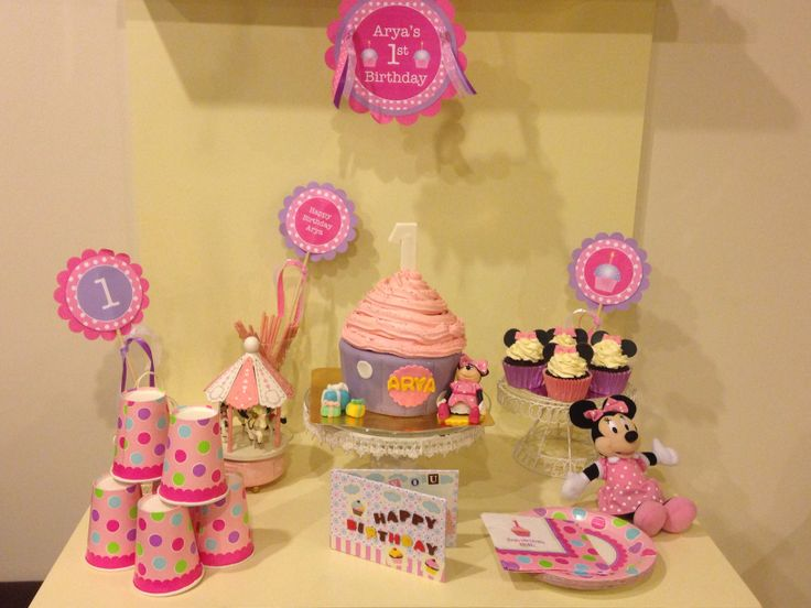 Pink and lila decoration for birthday