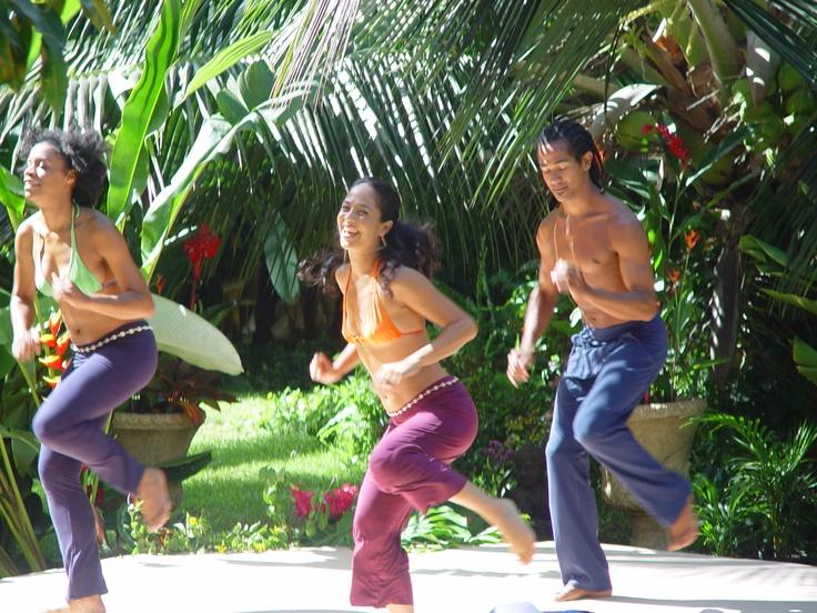 Dancing in the garden!: Dancing, Gardens, Garden Pics