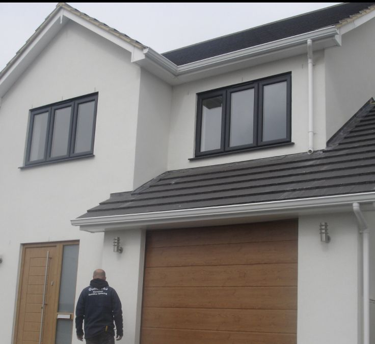 Seamless Aluminium Gutters Are Roll Formed On Location Vast Lengths With Minimal Joins Can Be Created Reducing The Ris With Images Gutter Colors Gutters Painting Gutters