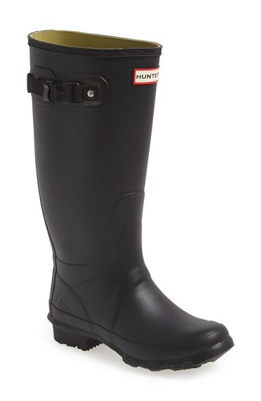 """Hunter """"huntress"""" boots- rumor has it these babies are good for those of us with """"athletic calves"""""""