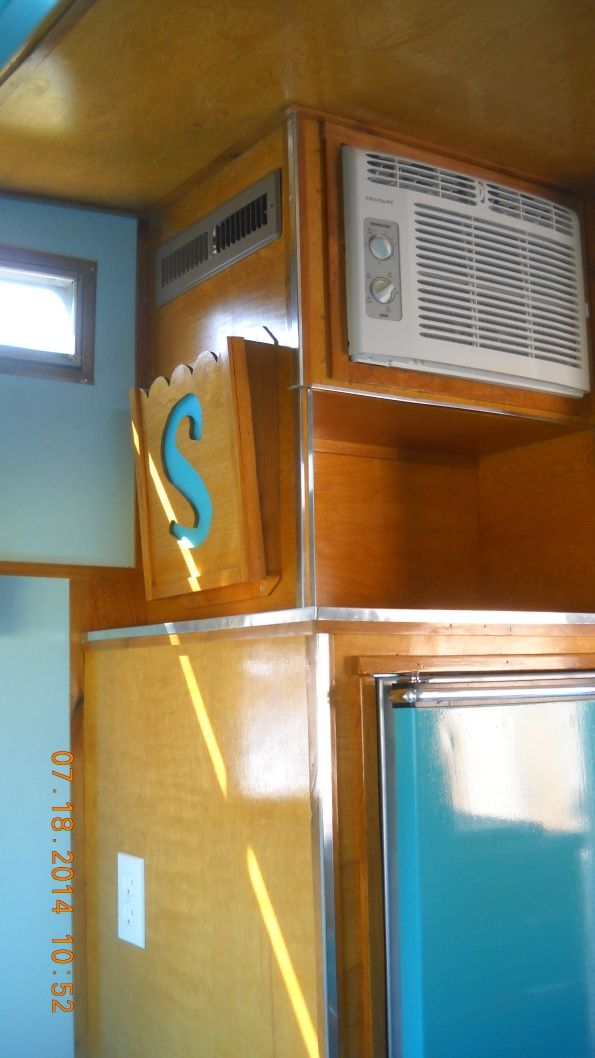 Built In Air Conditioning & Awesome fridge!
