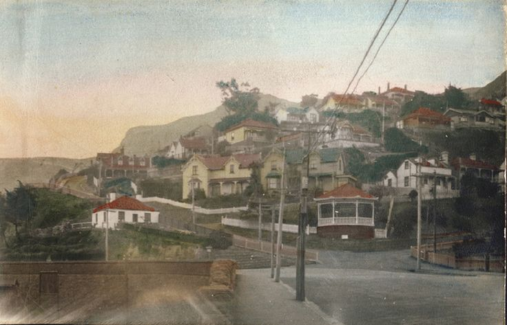 Scene of houses before the Lyttelton Road tunnel was started
