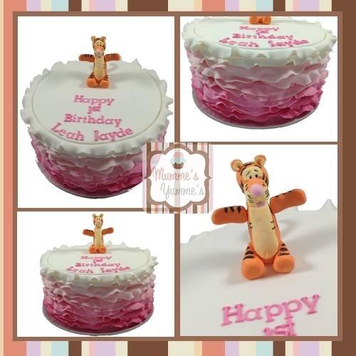 Cake Ruffle love with tigger!