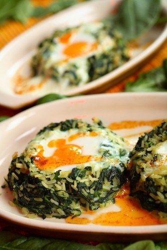 Рис со шпинатом и фетой по‑гречески (Spanakorizo)