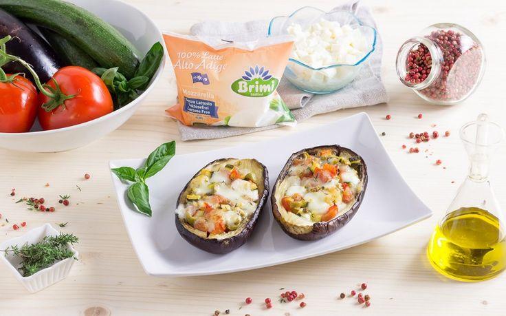 Barchette di melanzana con caponata di verdure e mozzarella senza lattosio