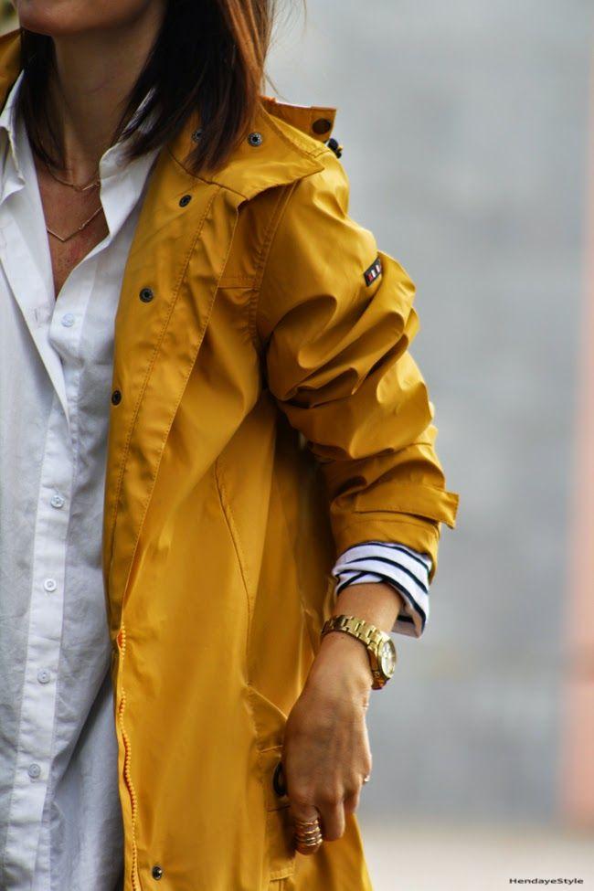 rain coat. Batela.