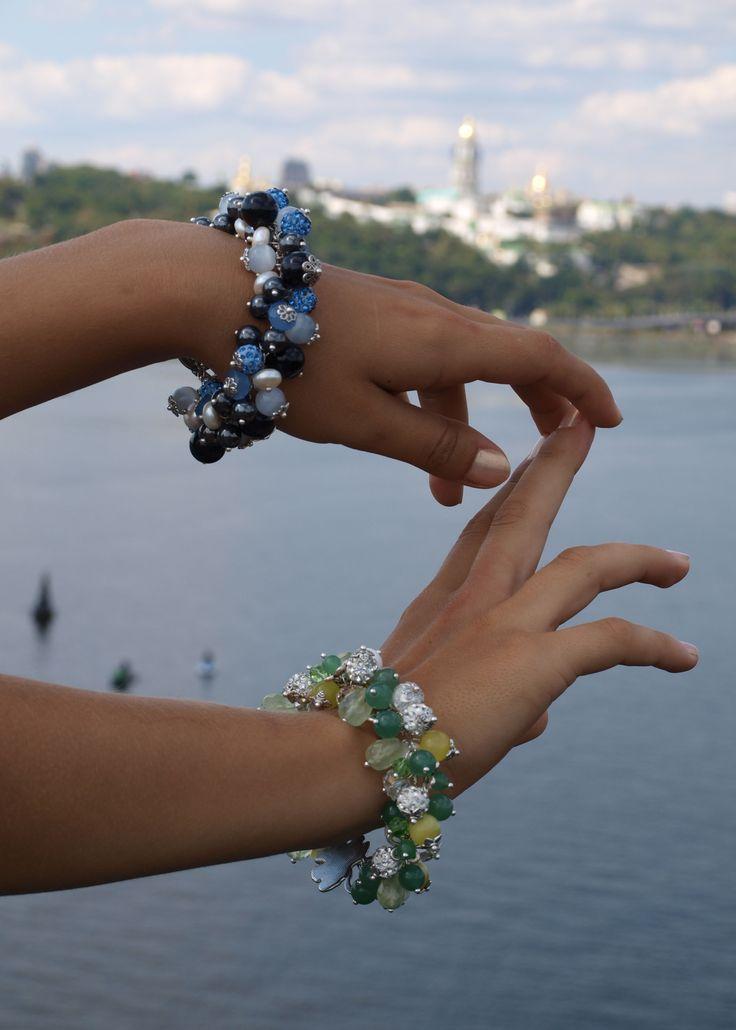 Авторские браслеты из камней.  http://stefi.com.ua/catalog/avtorskie-ukrasheniya-iz-kamnya/avtorskie-braslety-iz-kamnya/
