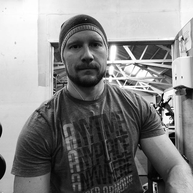 I wasn't supposed to look as #angry as this in the #gym before #work. Seems the fact I'm back after having such nice #family time showed a bit!  That said a good #workout although #sporting a forearm #injury so dropping weight #circuits for low weight high rep #cardio Circuits (aka #Spartacus Circuits) Back to the grindstone with work so need to start planning the release of #TheMagdon book 3 #author and also the #EBC2018 trek #AspireToInspire