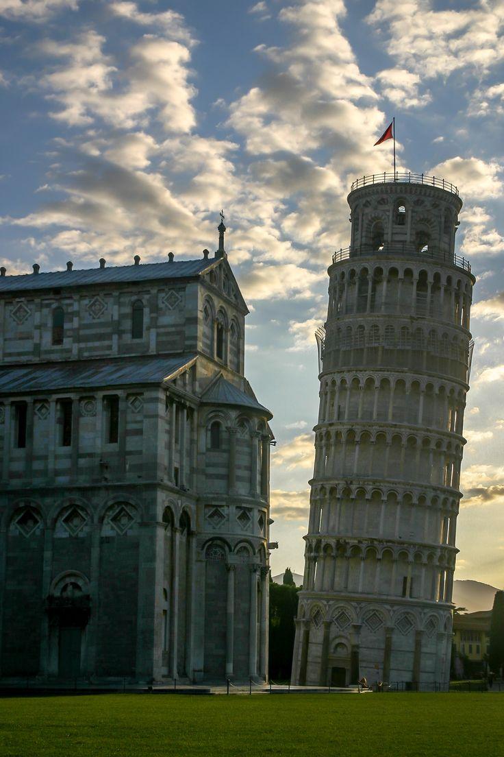 Krzywa wieża w Pizie (dzwonnica)