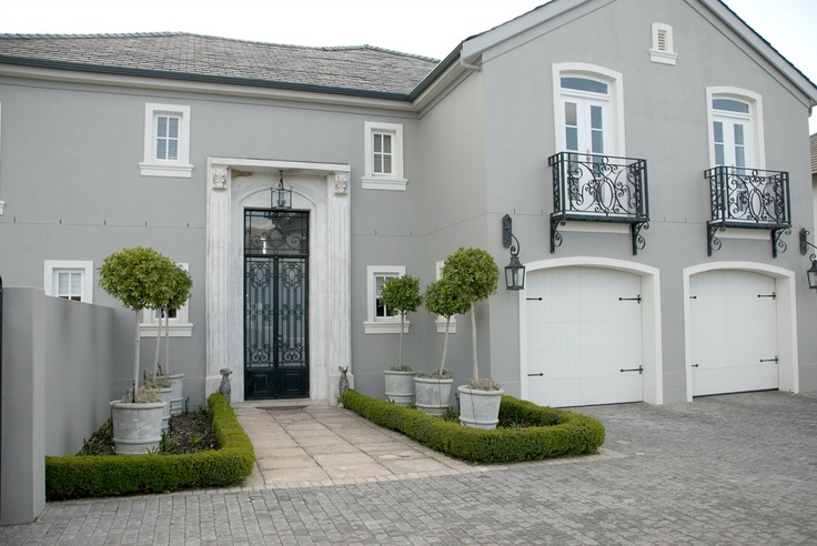 http://www.valdevie-properties.co.za/for-sale/property/33/luxurious-living-4bedroom-home-val-de-vie-estate.html