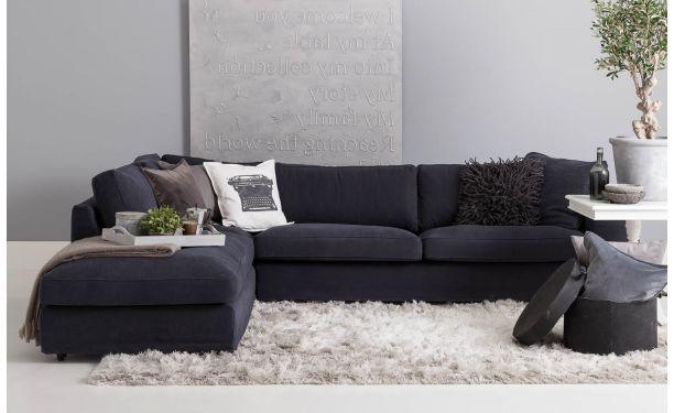 Met de grote hoekbank Season in effen antraciet-kleurige stoffering breng je romantiek en sfeer in je interieur. Season is voorzien van een ...