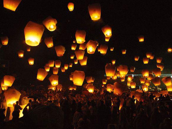 Floating lanterns - Tangled!: Wedding Parties, Idea, Paper Lanterns, Skylantern, Chinese Lanterns, Sky Lanterns, Lanterns Festivals, Chine Lanterns, My Wedding