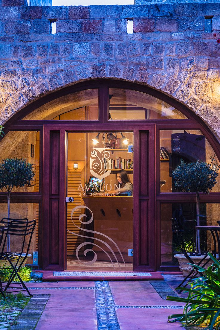 #September is the ideal month for an unforgettable #escape in #Rhodes and the amazing #Avalon #BoutiqueHotel. At the heart of the medieval town of Rhodes, this unique boutique hotel promises to offer you unique holidays in the island. Book now and enjoy a 40% off. http://www.tresorhotels.com/en/offers/309/septembrhs-sth-rodo-me-40-ekptwsh