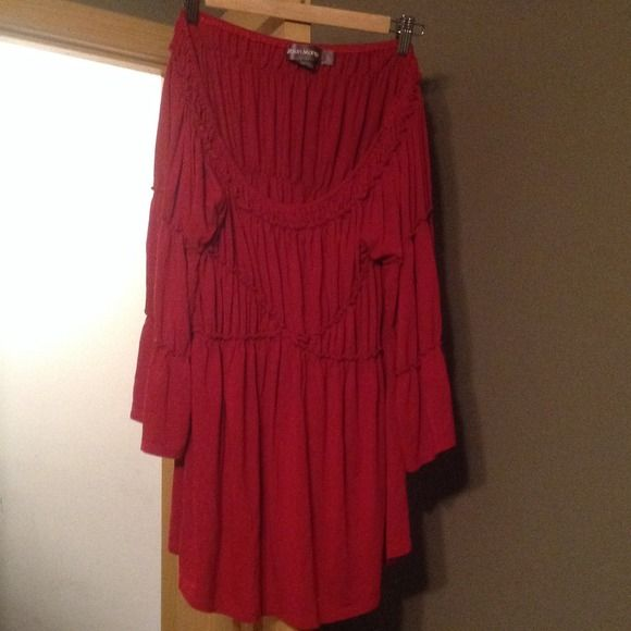Adorable Red Urban Mango top. L/XL Very stretchy/comfy.  Worn a handful of times.  Runs large, could be XL easy urban mango Tops