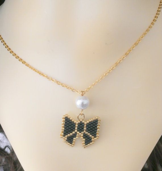 Beaded bow necklace with cotton peal https://www.etsy.com/ie/listing/261992475/beaded-bow-necklace-with-cotton-pearl