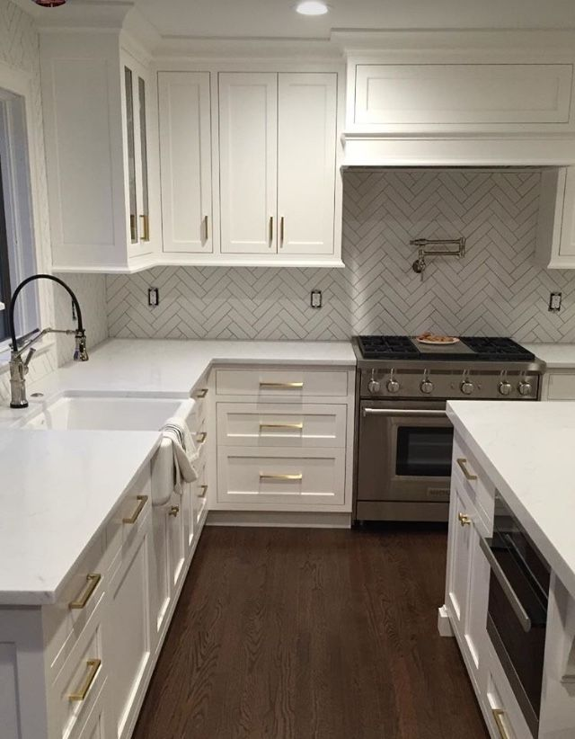 love the herringbone pattern backsplash kitchen kitchen rh pinterest com