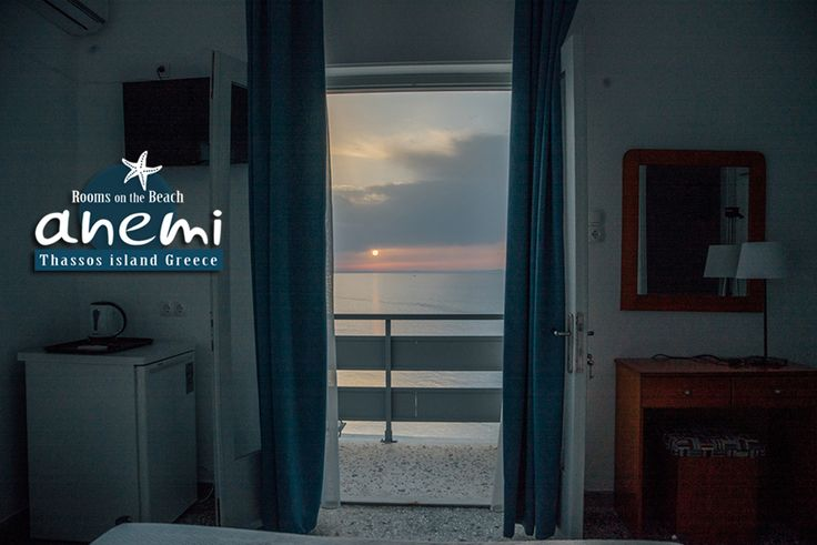 Sunrise at Anemi Rooms to Let, on the Beach of Skala Potamias, Thasos island Greece. Tel.: +30 25930 61 480, +30 6947 589 555 E-Mail: anemithassos@gmail.com Ενοικιαζόμενα δωμάτια στην Παραλία Χρυσή Ακτή της Σκάλας Ποταμιάς, Θάσος.