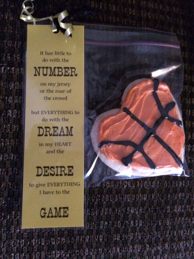 What a cute thing to give to players. I just might have to do this for my school's teams.