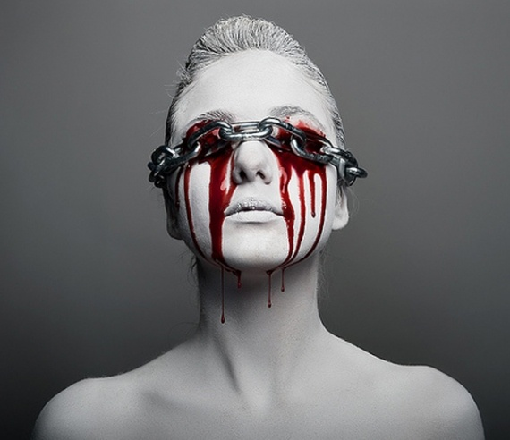 Blood dripping from eyes.Bloody Chains, Dark Photography, Colors, Jorge Miguel, Beautiful, Art, Inspiration Pictures, Feelings, Eye
