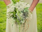 Brautstrauss mit Wiesenblumen: Wedding Trends, Creative Bride, Green Wedding Shoes, Princesses Bride, Wedding Blog, Queen Anne Lace, Green Weddings, Queen Annes Lace