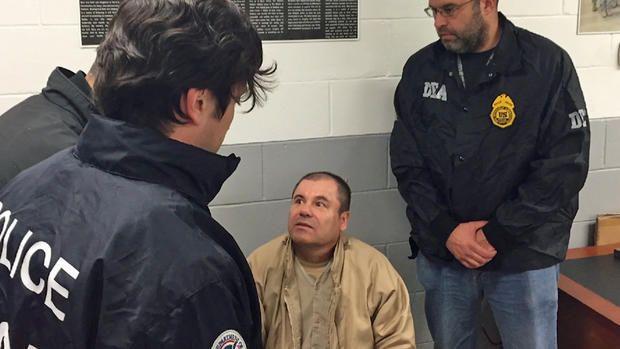 Incomunicado. - Y es que el Chapo no entiende ni habla inglés, así que debe comunicarse a señas con los guardias en la prisión.