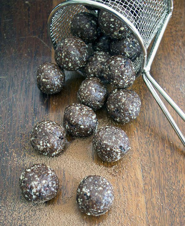 Paleo Chocolate Chip Balls
