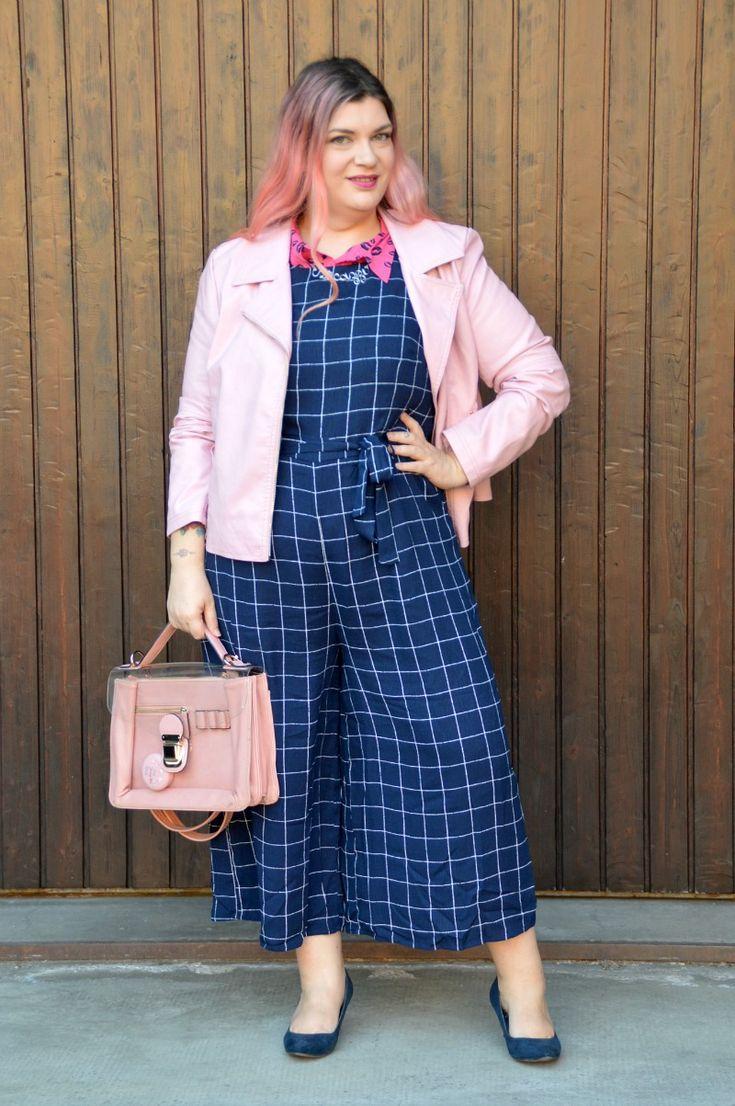 #BodyPosiTeamIT: Outfit rosa (e blu) | Plus... Kawaii! - A plus size fashion blog #plussize #outfit #culottes #jumpsuit