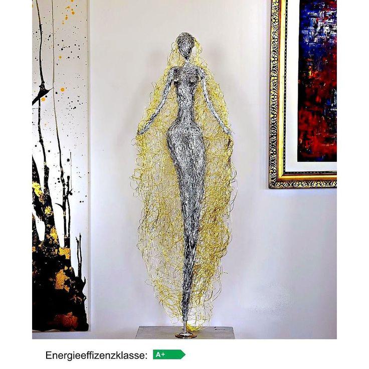Design Skulptur - Gloria - beleuchtet LED A+ Aluminium silber /gold.   Höhe ca. 135 cm.   Energieeffizienzklasse A+ , Energieverbrauch 7 kWh/1000h