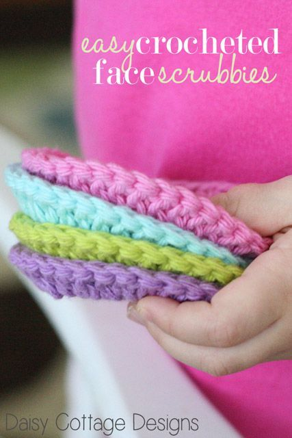 Learn how to crochet face scrubbies with this quick and easy crochet pattern. Even if you're a beginner, you'll be able to complete this project in a flash. ✿⊱╮http://www.pinterest.com/teretegui/✿⊱╮