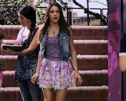 Cuando Violetta (Martina Stoessel) entro por primera vez al studio