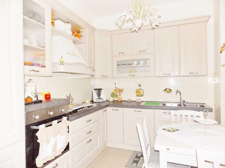Oltre 25 fantastiche idee su camere soggiorno cucina su pinterest camere bianche per famiglie - Posto letto a milano a 100 euro ...