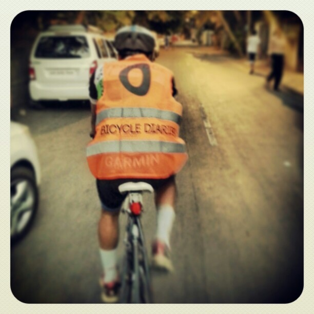 Passing through the bylanes of Pune, I saw this cyclist zooming past. Cdnt help but click, N