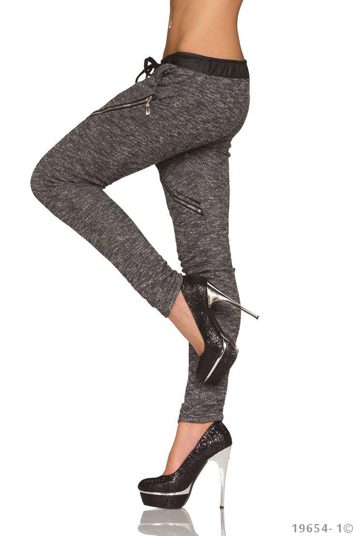 Pantaloni Moderni Carla | New Fashion Romania  >> Click pe poza pentru a vedea pretul. #PantaloniDama