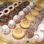 Recipe list of Czech and Slovak Christmas cookies /Souhrn receptu na ceske a slovenske vanocni cukrovi