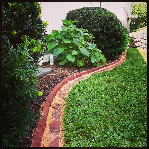 Fantastic Landscape Paver Edging Idea Eliminates Trimming And Looks Great Thank You Pinterest 画像あり