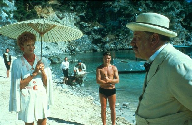 Dame Maggie Smith in shorts! with Peter Ustinov as detective Hercule Poirot in Agatha Christie's 'Evil Under the Sun' 1982