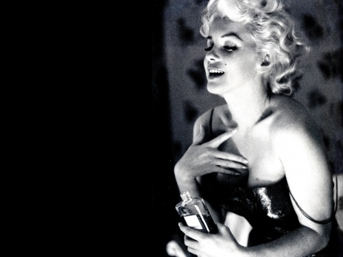 "When asked in 1954 what she wore to sleep, the ever seductive and sensuous Marilyn Monroe purred, ""Five drops of Chanel No. 5."""
