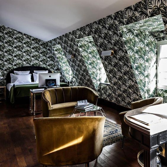 Paris, the city of love - or not. Here's what spending your 35th birthday at the Hotel Providence in Paris with your mom feels like.