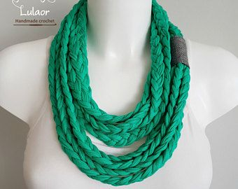 T-shirt scarf, green necklace, green scarf, t-shirt necklace, braided scarf, fabric scarf, fabric necklace