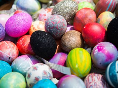 31 best easter images on pinterest easter ideas easter crafts from hallmark channel home family tips products jessie janes glitter silk tie easter eggs negle Images