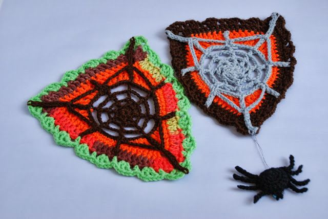 Spider Web Bunting Free Crochet Pattern