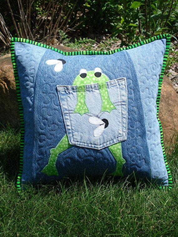 """PATRÓN para """"Hungry Frog"""" acolchado Almohada hizo con upcycled reciclados Denim Jeans"""