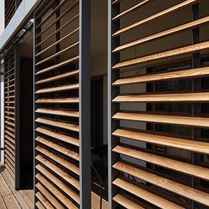 Panneaux coulissants Loggiawood Paro & Loggiawood Paro Privacy :: RENSON