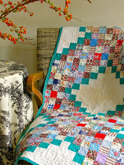 postage stamp quilt - or maybe Irish chain...