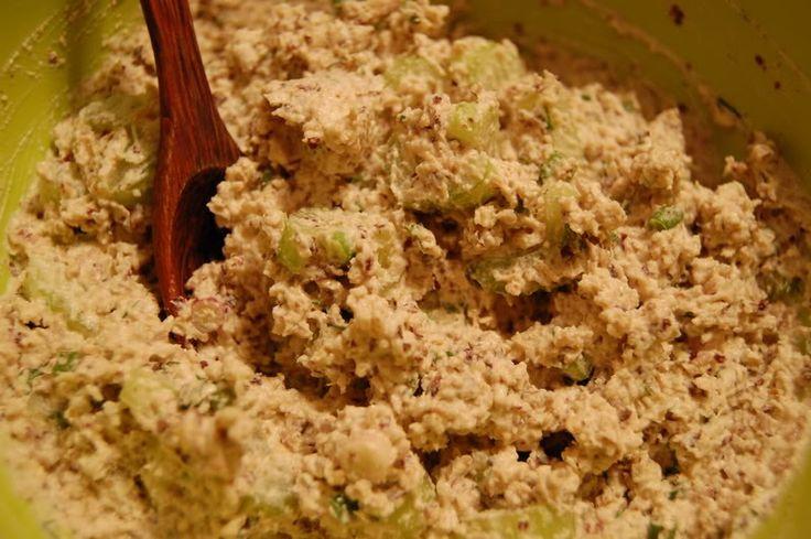 Салат из Тунца Posted on May 10, 2008 Этот рецепт уже был, но теперь он с фотографиями, и в упрощенном варианте.   Для салата: 1,5 стакана с...