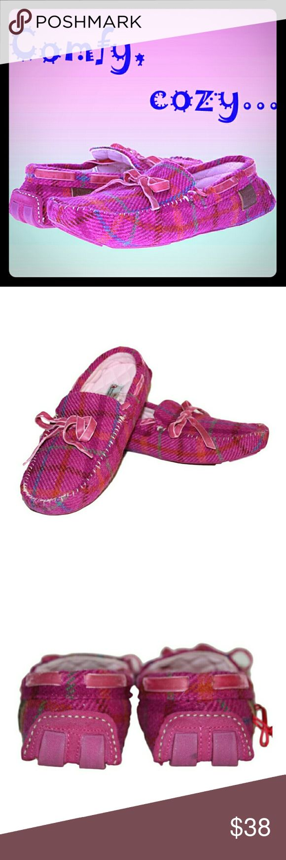 Bedroom Athletics Pink Slippers/Moccasins 👟Comfortable, adorable and warm Bedroom Athletics Victoria Slippers/Moccasins   ✔Color: Pink Check   ✔Features: removable extra soft inserts, flexible outer sole  ✔Size: Large, US 9-10, UK 7-8, EU 41-42, JP 25.5-27   ✔Condition: Brand New, in box, manufacturer packaged and sealed. Note: except for some spots on one of the inserts (please see photos), the slippers are in excellent condition. Bedroom Athletics Shoes Slippers