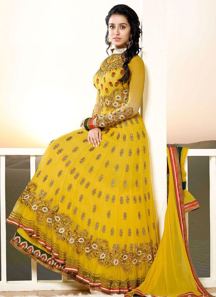 Shraddha Kapoor radiant in #Desi gheredar, floor length #Anarkali suit