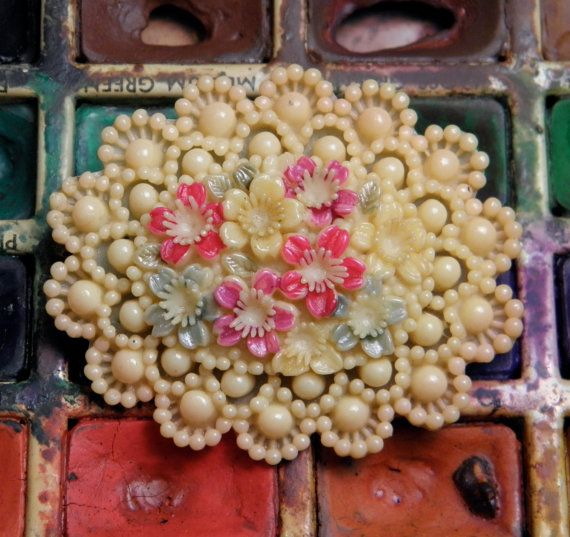 Vintage Molded Celluloid Brooch Pin